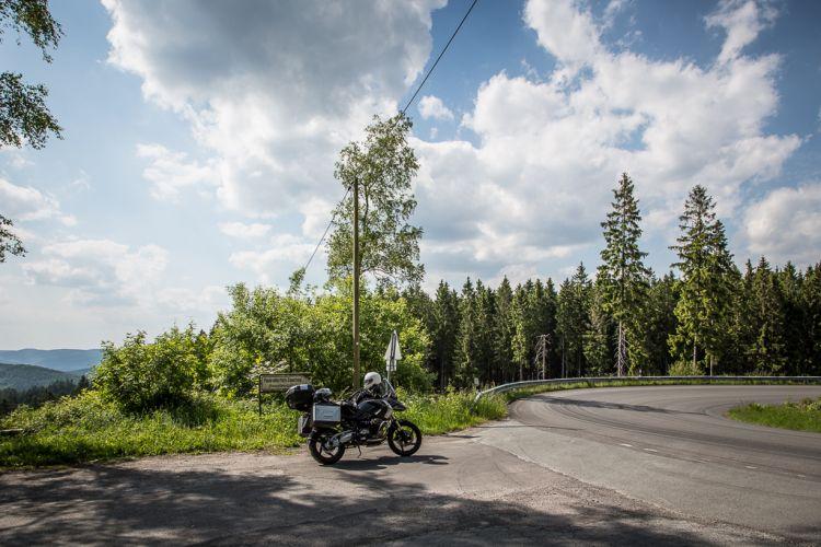 Ja, auch Deutschland hat fantastische Routen für Biker. Ein andermal.