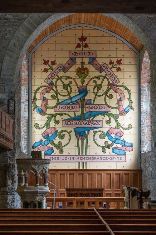 Ein Blick in die Kirche in Drumcliff.