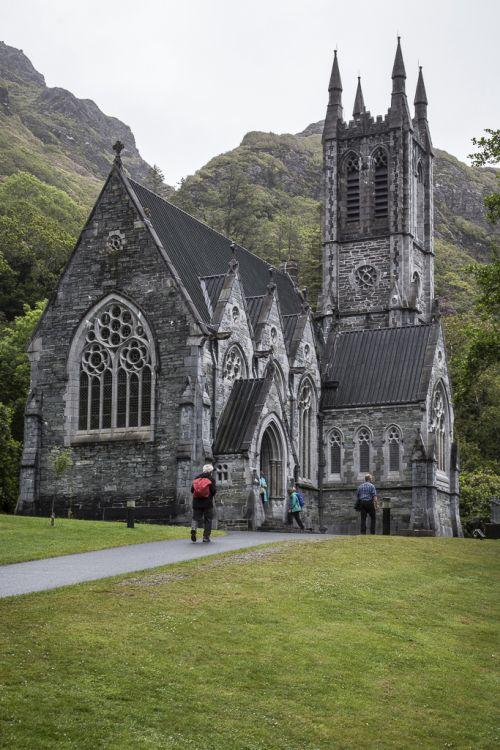 Mitchell Henry baute diese neugotische Kirche zum Andenken an seine Frau Margaret