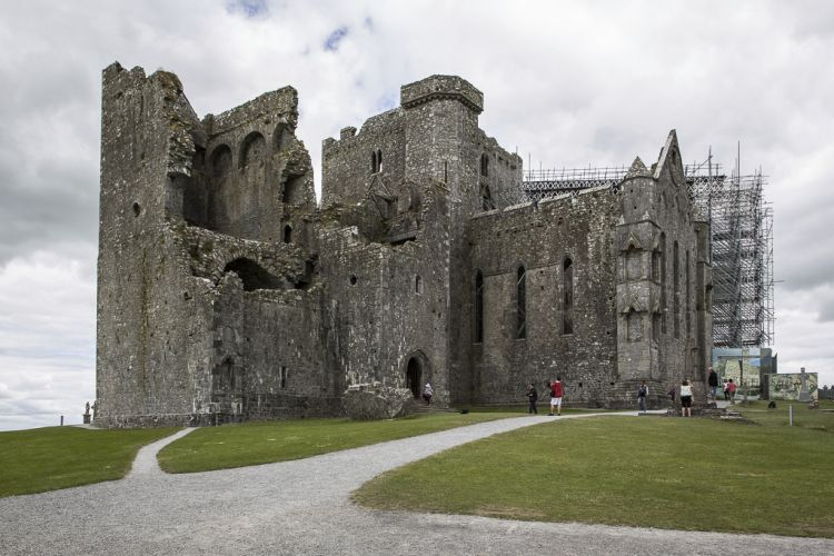 Der Rock of Cashel - hier die Kathedrale