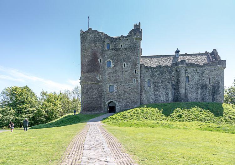 Doune Castle - schaut klein aus, ist auch klein